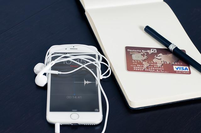 kreditka u mobilu